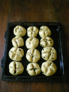 hot-cross-buns-uncooked