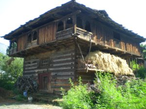 A Traditional Kathkuni House